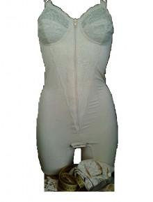 Art. Francesca  - operated reiforced elastic medium weight  - whith legs